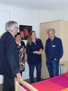 burgemeester Aat de Jonge bezoekt hospice